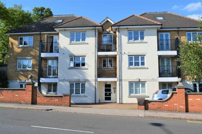 2 Bedrooms Flat for sale in Hale Lane, Edgware