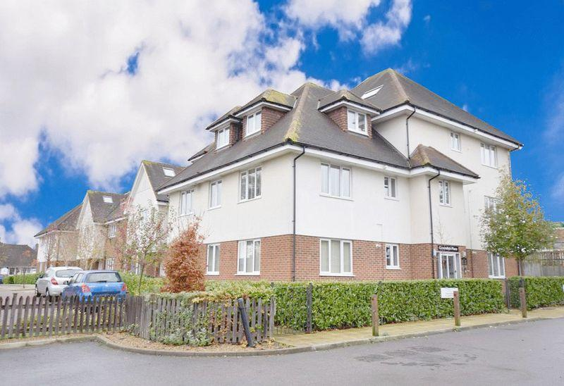 2 Bedrooms Apartment Flat for sale in Cavendish Way, Maidstone