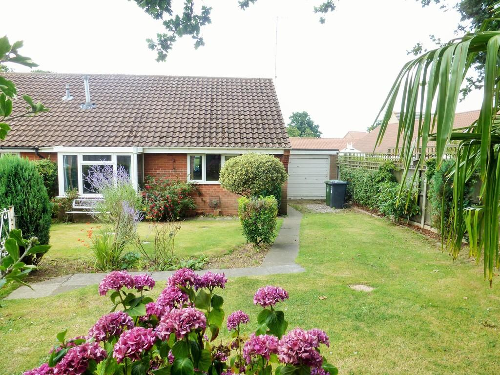 2 Bedrooms Terraced Bungalow for sale in North Walsham