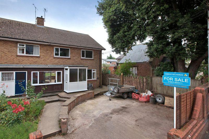 3 Bedrooms Semi Detached House for sale in North Street, WELLINGTON