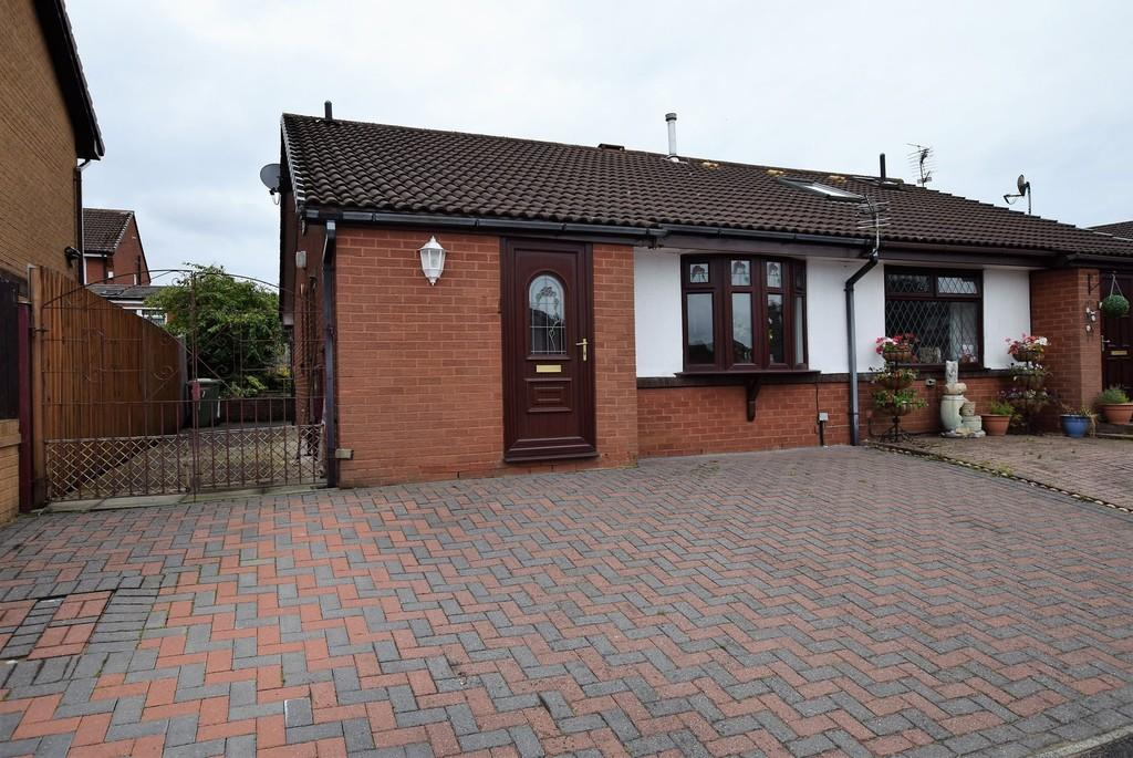 2 Bedrooms Semi Detached Bungalow for sale in Bradshaw Close, Old Eccleston, St. Helens