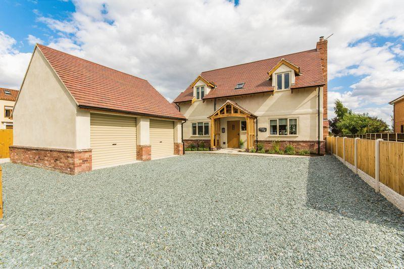 4 Bedrooms Detached House for sale in Outgate, Ealand, DN17