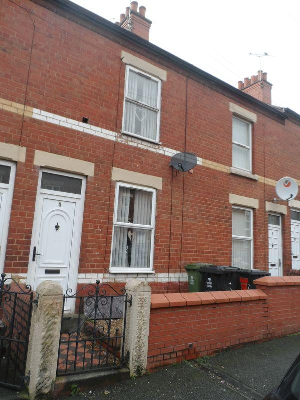 2 Bedrooms Terraced House for sale in Oxford Street, Wrexham