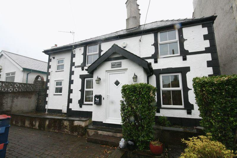 2 Bedrooms Cottage House for sale in Amlwch Port, Anglesey