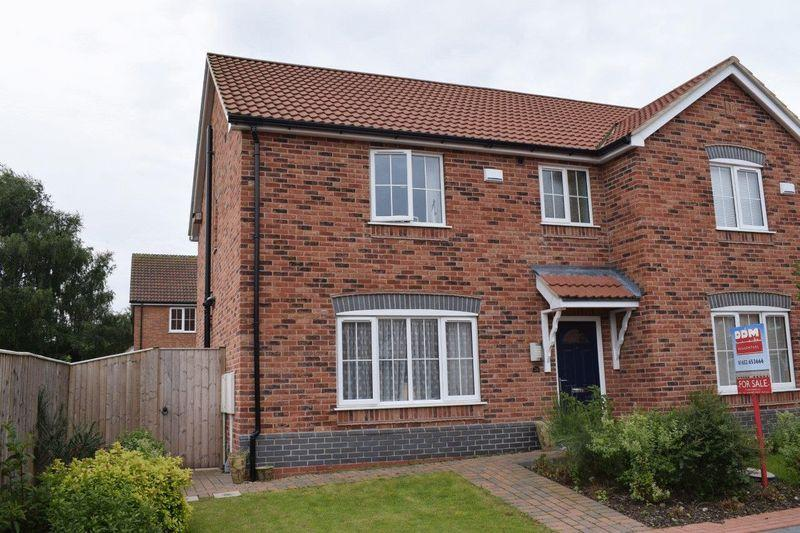 3 Bedrooms Semi Detached House for sale in Scholars Walk, Brigg