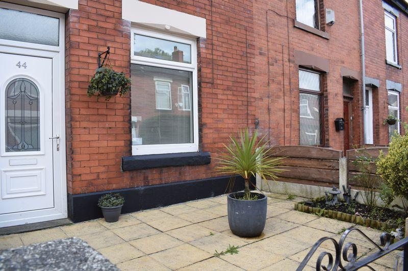 3 Bedrooms Terraced House for sale in Promenade Street, Heywood