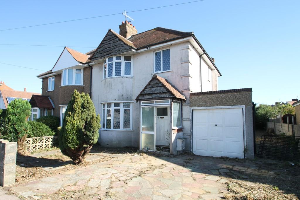 3 Bedrooms Semi Detached House for sale in Beaumont Road, Worthing, BN14 8HD