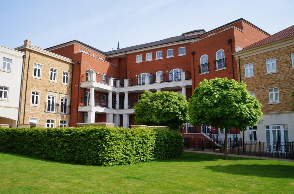 2 Bedrooms Apartment Flat for sale in Main Street, Dickens Heath