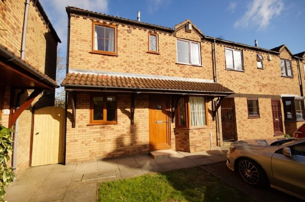 2 Bedrooms Semi Detached House for sale in Bakehouse Court, Langworth, Lincoln