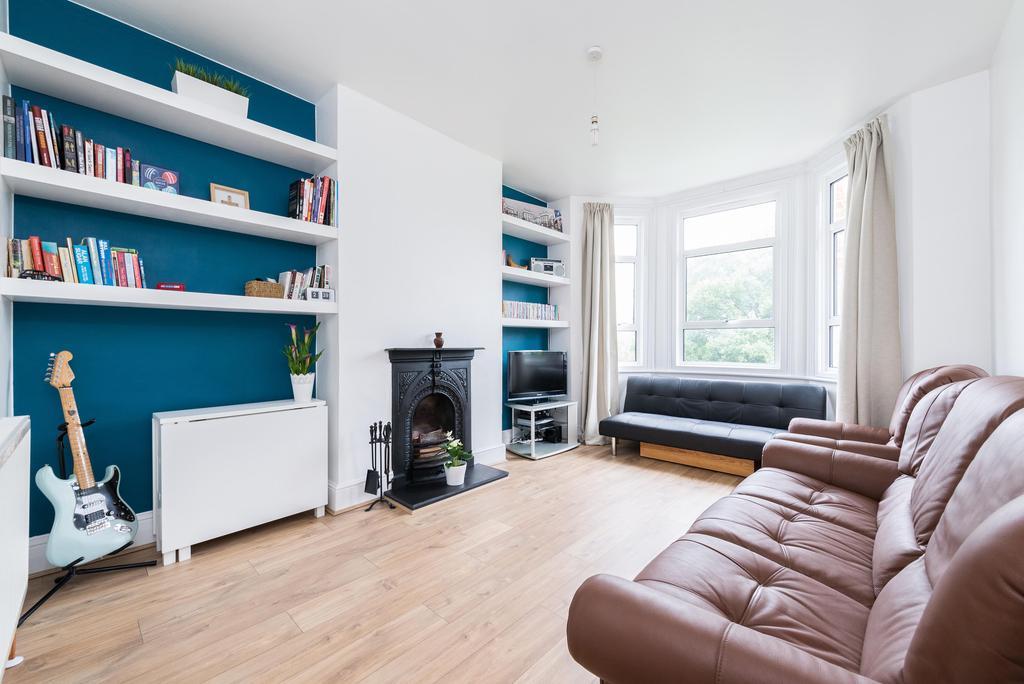 2 Bedrooms Flat for sale in Ravensbourne Park, London
