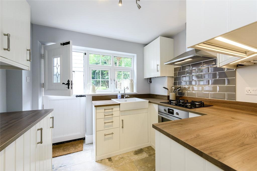 2 Bedrooms Terraced House for sale in Laurel Cottages, Kennel Lane, Windlesham, Surrey