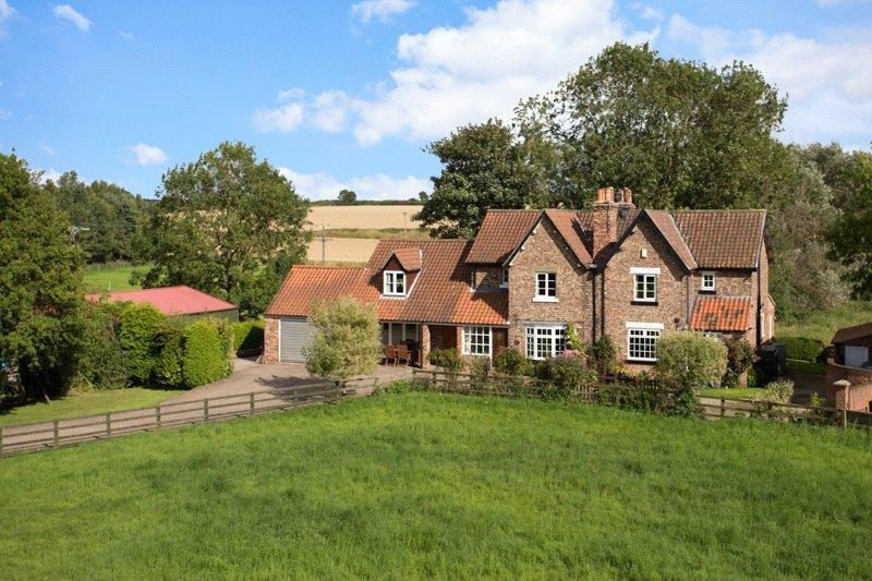 5 Bedrooms Semi Detached House for sale in York Road, Stillingfleet, York, YO19