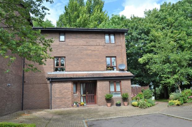 3 Bedrooms Town House for sale in Mansionhouse Gardens, Langside, G41