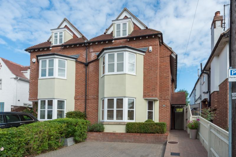 4 Bedrooms Semi Detached House for sale in Victoria Road, Oxford
