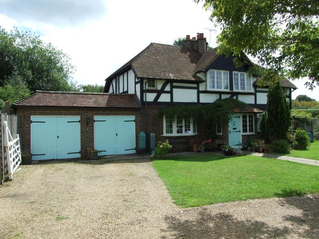 4 Bedrooms Detached House for sale in Send Marsh Green