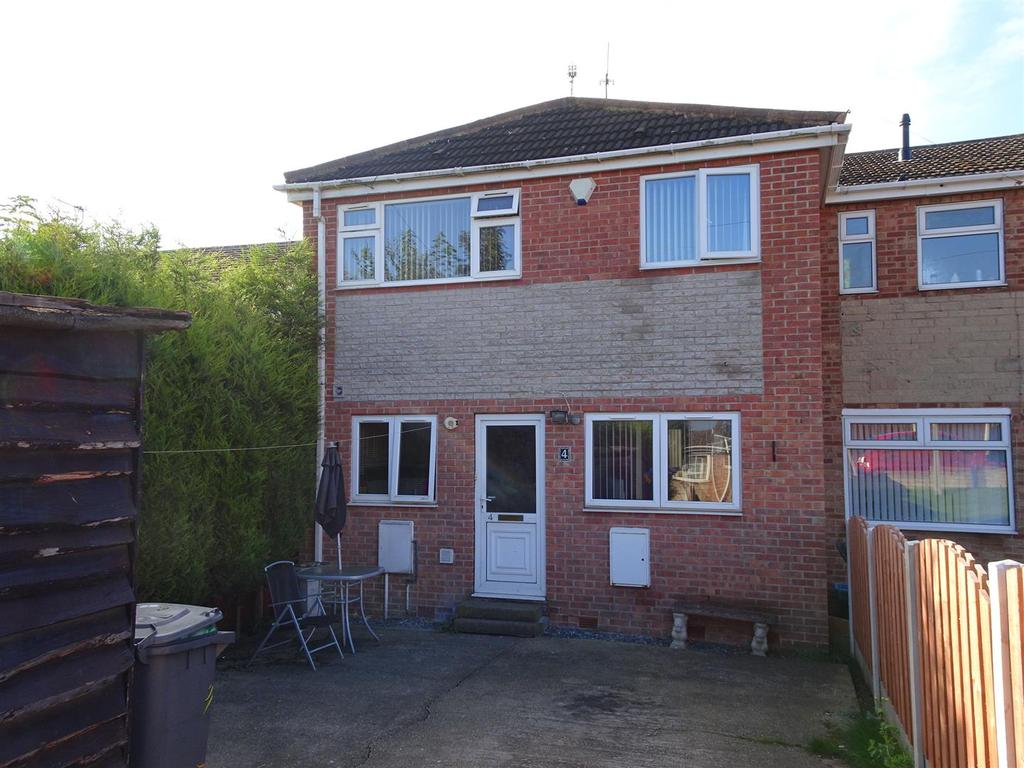 3 Bedrooms Terraced House for sale in 4 Pear Tree Close, Brinsworth, Rotherham, S60 5LG