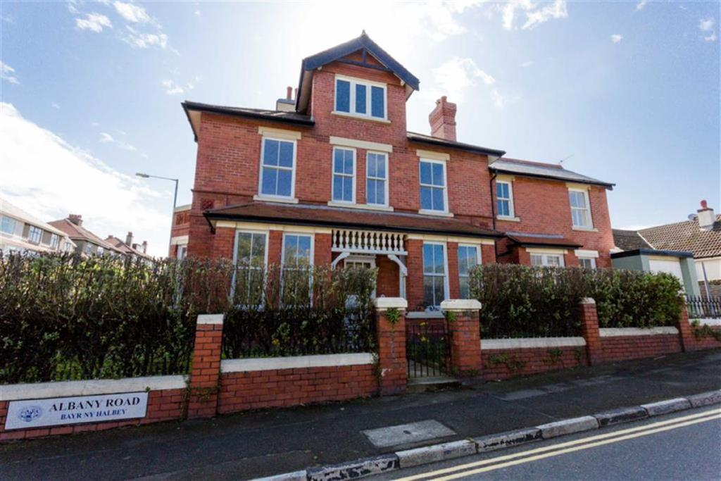 4 Bedrooms End Of Terrace House for sale in Albany Road, Peel, Isle of Man