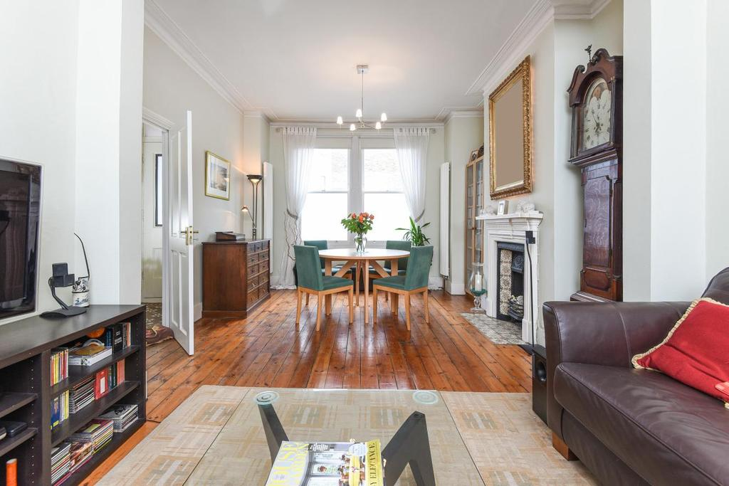 4 Bedrooms Terraced House for sale in Grantham Road, Clapham