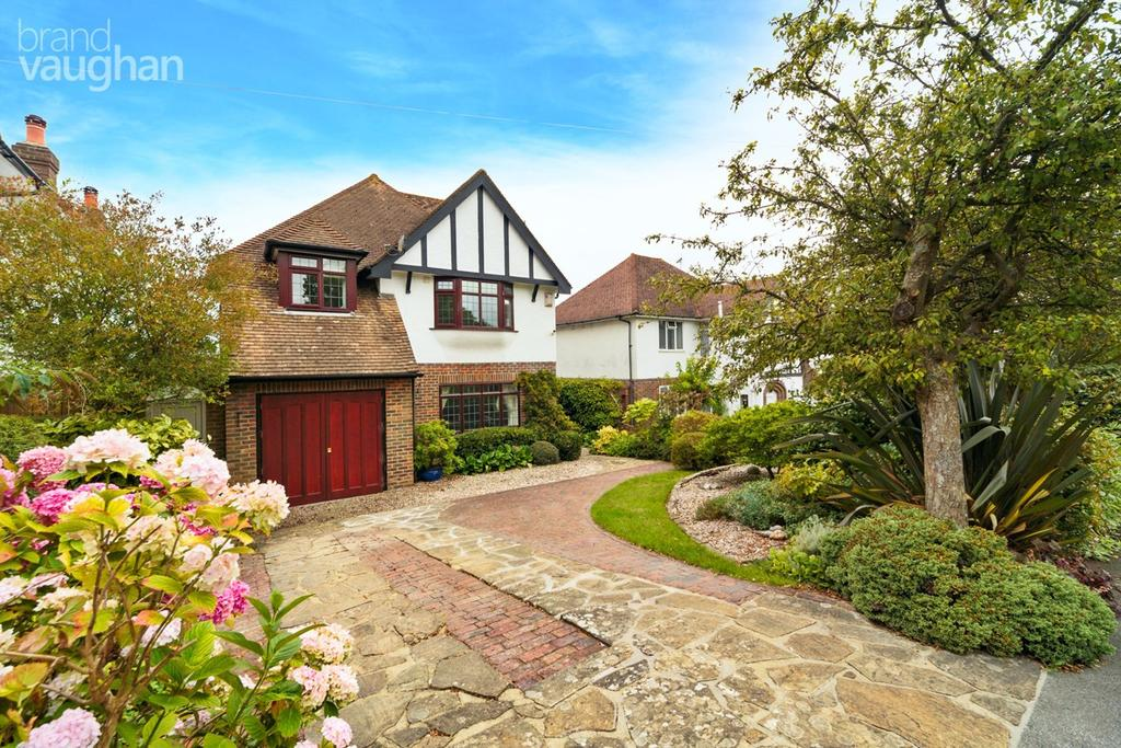 6 Bedrooms Detached House for sale in Meadow Close, Hove, BN3