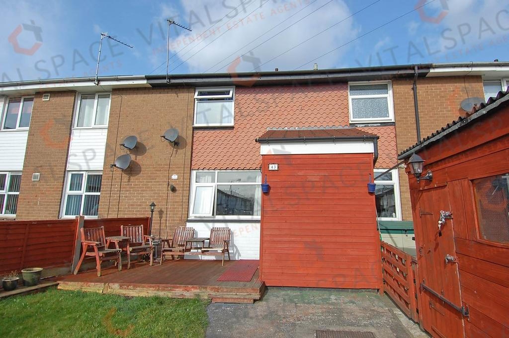 3 Bedrooms Terraced House for sale in Derbyshire Road, Partington, Manchester, M31