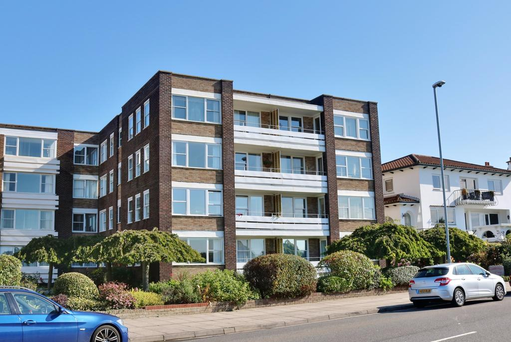 3 Bedrooms Apartment Flat for sale in Eastern Parade, Southsea