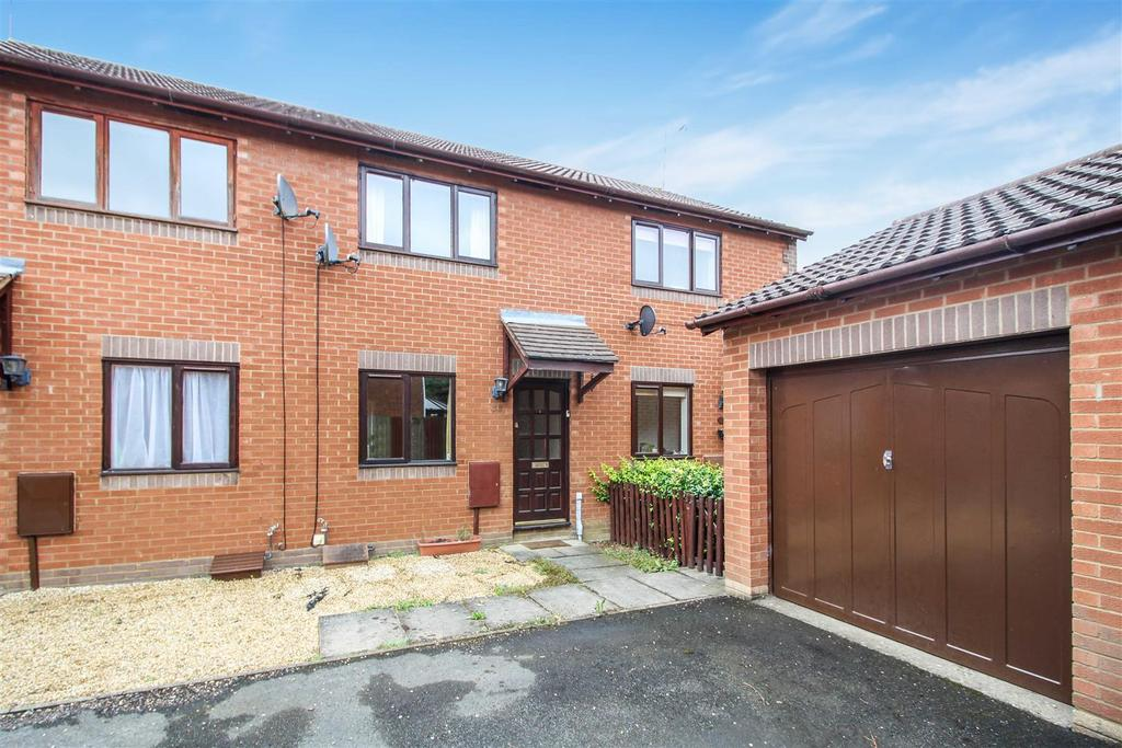 2 Bedrooms Semi Detached House for sale in Flying Fields Road, Southam
