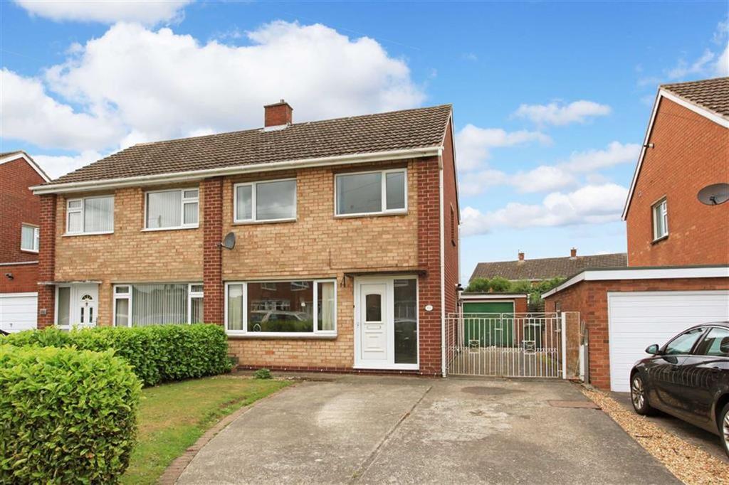 3 Bedrooms Semi Detached House for sale in Tilstock Crescent, Sutton Farm, Shrewsbury