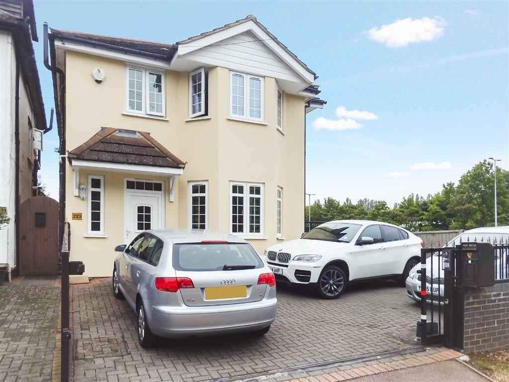 3 Bedrooms Detached House for sale in Fairview Road, Stevenage, Hertfordshire, SG1