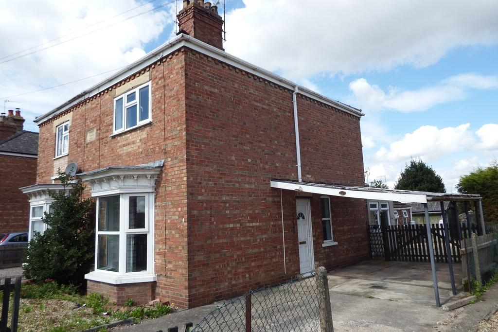 2 Bedrooms Semi Detached House for sale in Winsover Road, Spalding, PE11