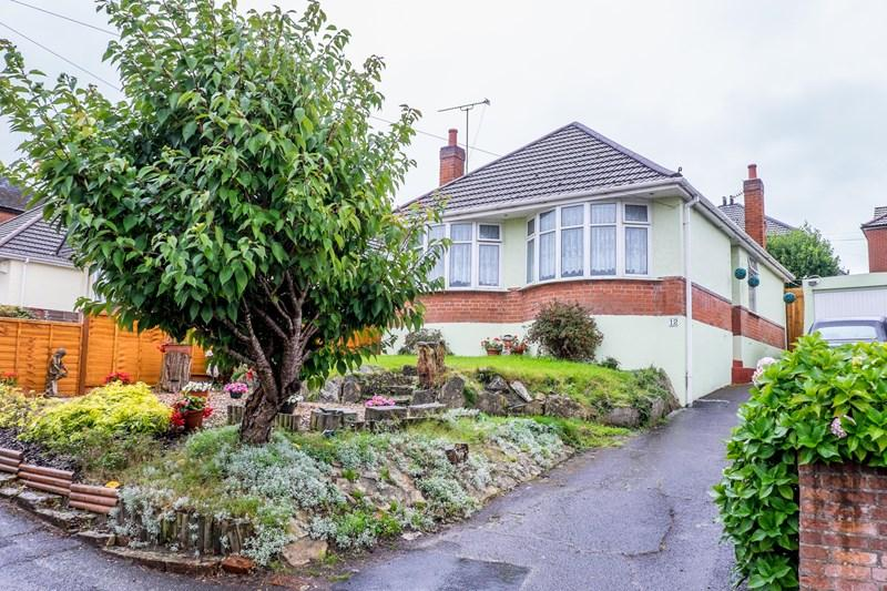 2 Bedrooms Detached Bungalow for sale in Churchill Crescent, Parkstone, Poole