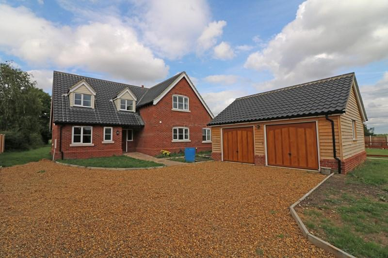 4 Bedrooms Detached House for sale in Station Road, Flordon, Norwich