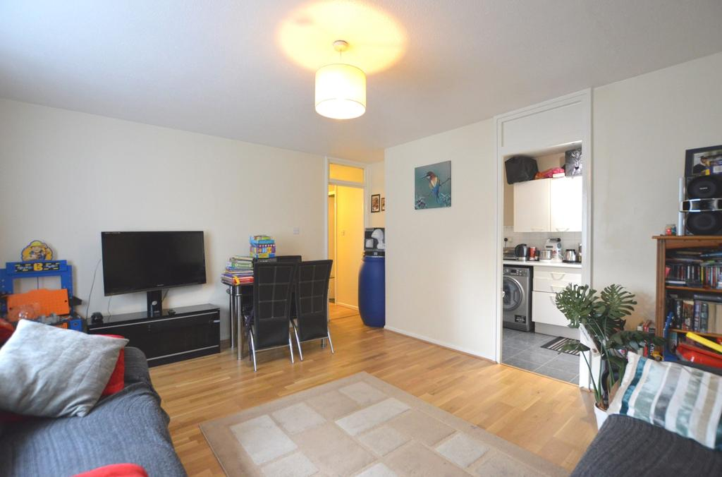 1 Bedroom Flat for sale in Beachborough Road Bromley BR1
