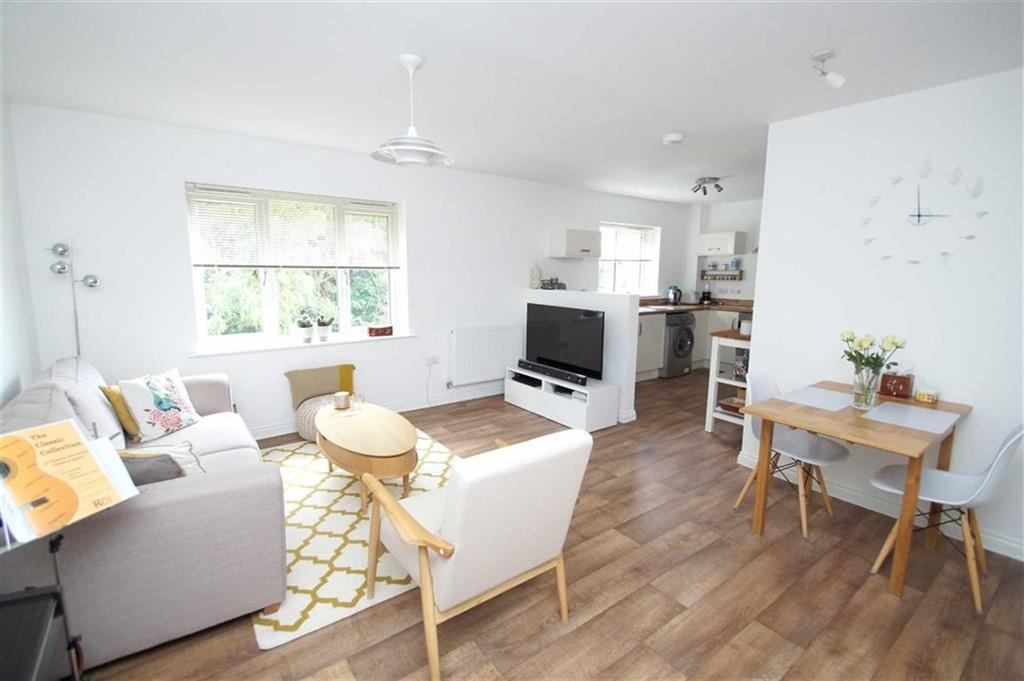 2 Bedrooms Apartment Flat for sale in Chestnut Lane, Leeds