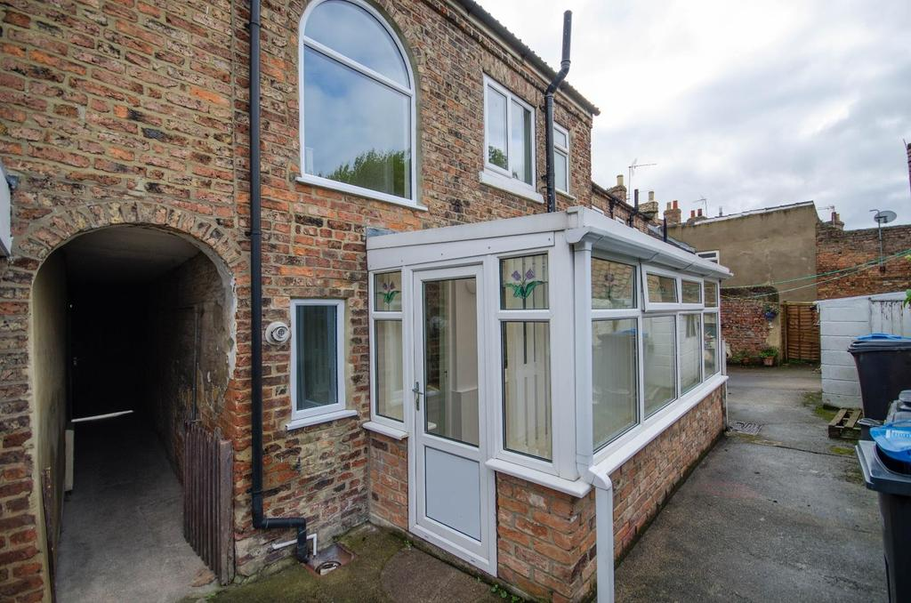 3 Bedrooms Terraced House for sale in Long Street, Thirsk