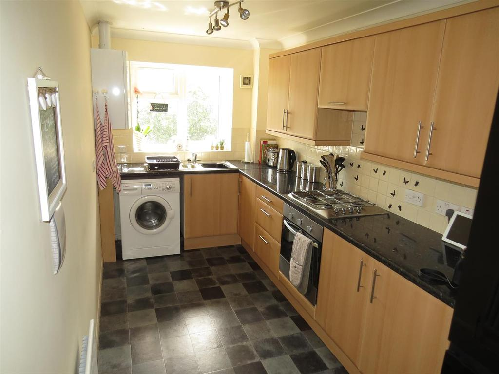 2 Bedrooms Apartment Flat for sale in Surrey Road, Bournemouth