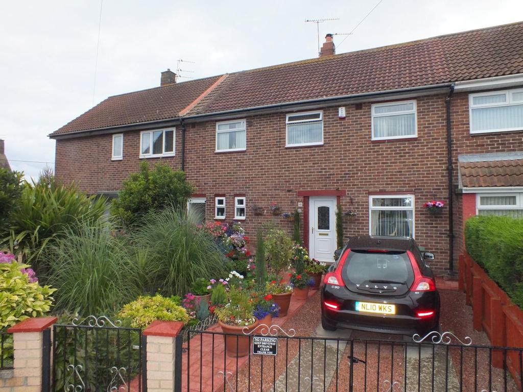 3 Bedrooms Semi Detached House for sale in Ferndale Close, Cowpen, Blyth