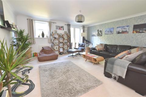 3 bedroom terraced house - Beech Court, Leeds, West Yorkshire