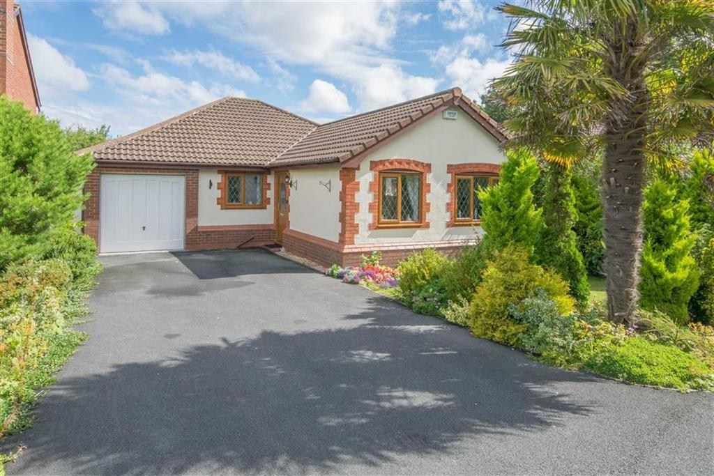 3 Bedrooms Detached Bungalow for sale in Longfellow Avenue, Hawarden, Deeside, Flintshire