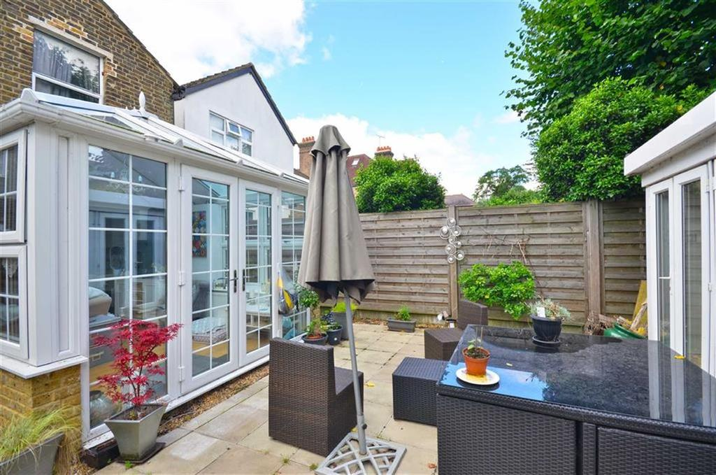2 Bedrooms Apartment Flat for sale in Essex Road, Watford, Hertfordshire