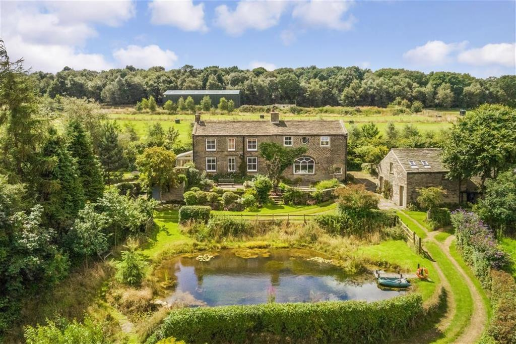 5 Bedrooms Detached House for sale in Bradshaw Road, Honley, Holmfirth, HD9
