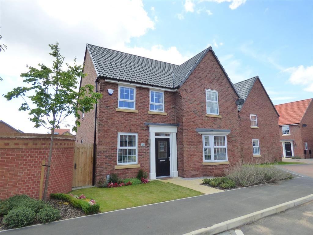 4 Bedrooms Detached House for sale in Newman Avenue, Beverley, East Yorkshire, HU17 7FB