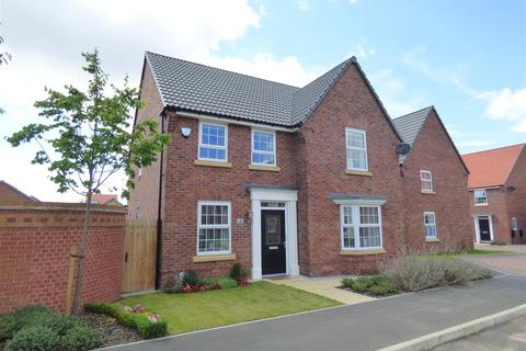 4 bedroom detached house for sale - Newman Avenue, Beverley, East Yorkshire, HU17 7FB
