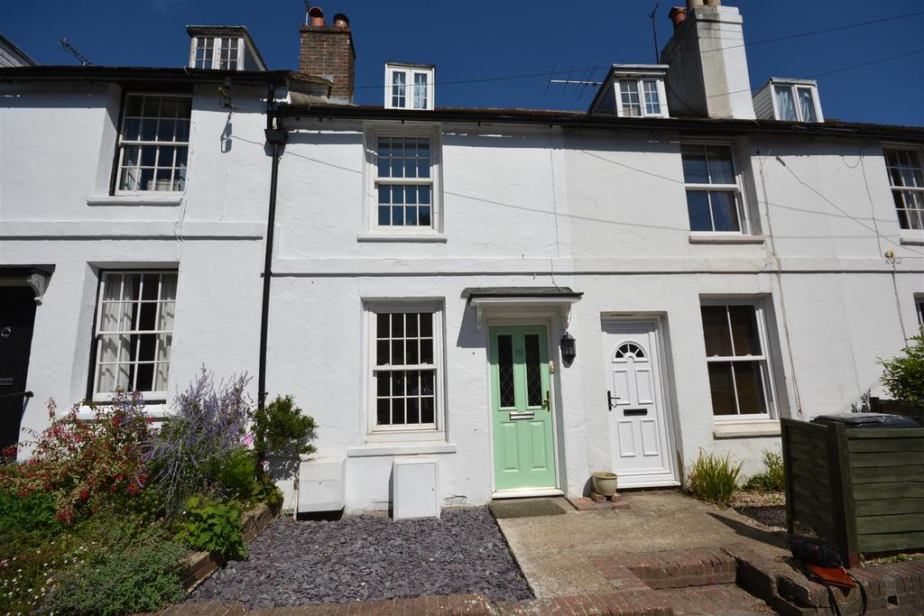 3 Bedrooms Terraced House for sale in Lower Lake, Battle