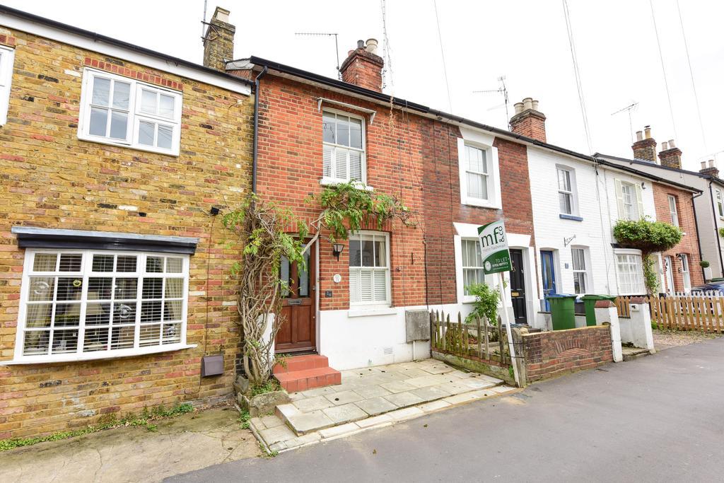 3 Bedrooms Cottage House for sale in Waverley Road, Weybridge, Surrey, KT13