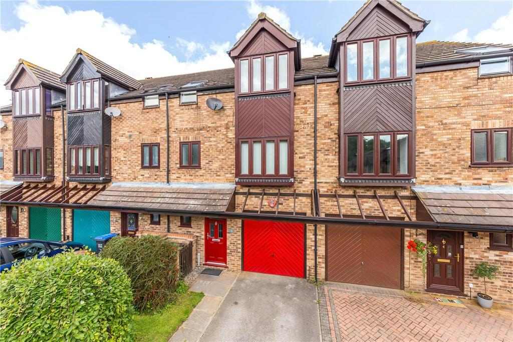 4 Bedrooms Terraced House for sale in Leysdown, Welwyn Garden City, Hertfordshire