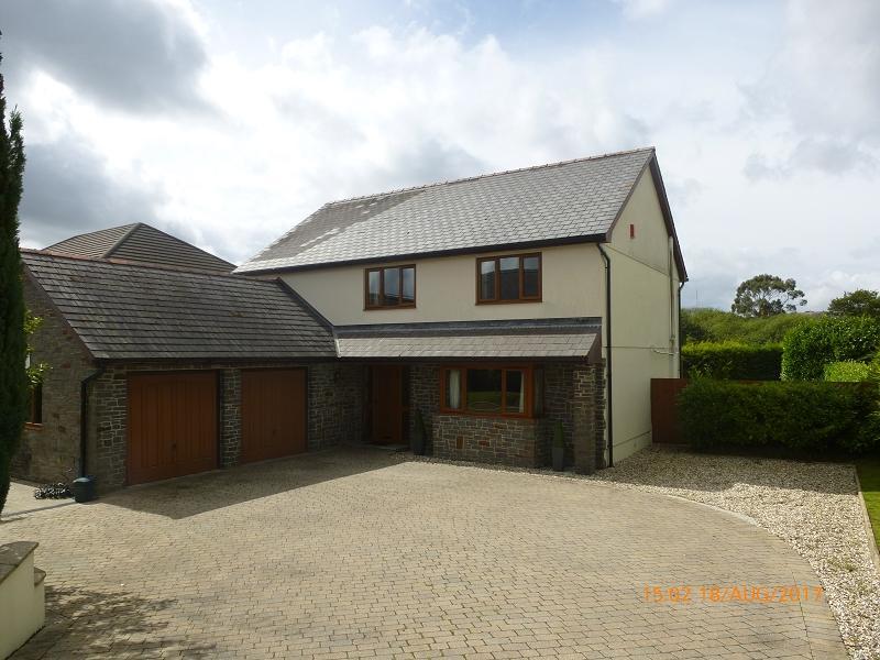 4 Bedrooms Detached House for sale in Pantyblodau Road, Blaenau, Ammanford, Carmarthenshire.