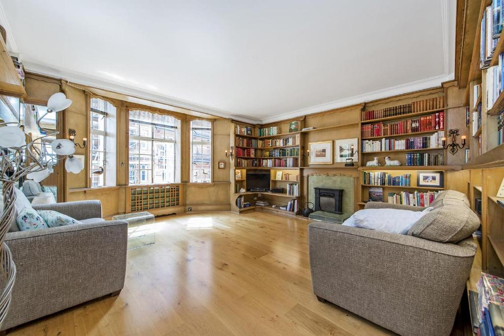 3 Bedrooms Flat for sale in Bernard Street, Bloomsbury