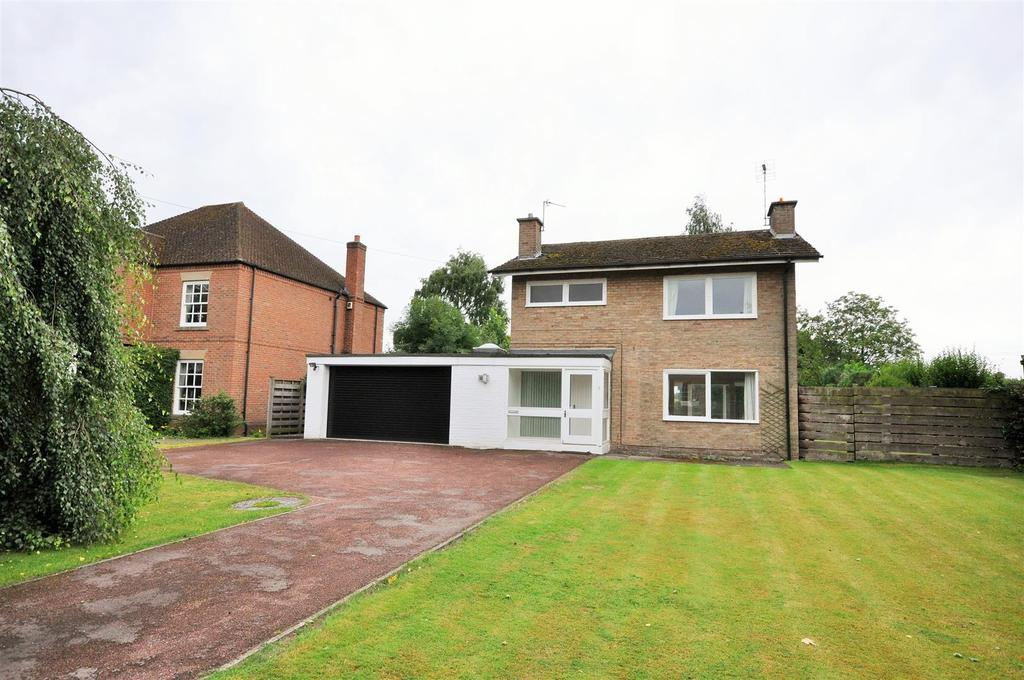 3 Bedrooms Detached House for sale in Main street, Askham bryan