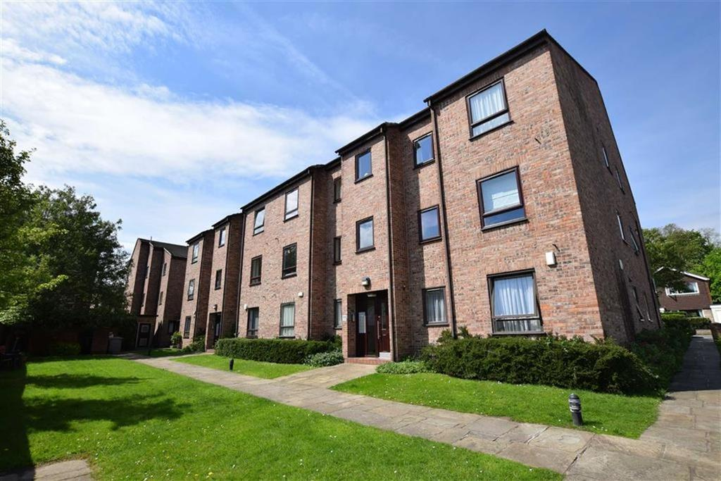2 Bedrooms Apartment Flat for sale in Willow Tree Road, Hale, Cheshire, WA14