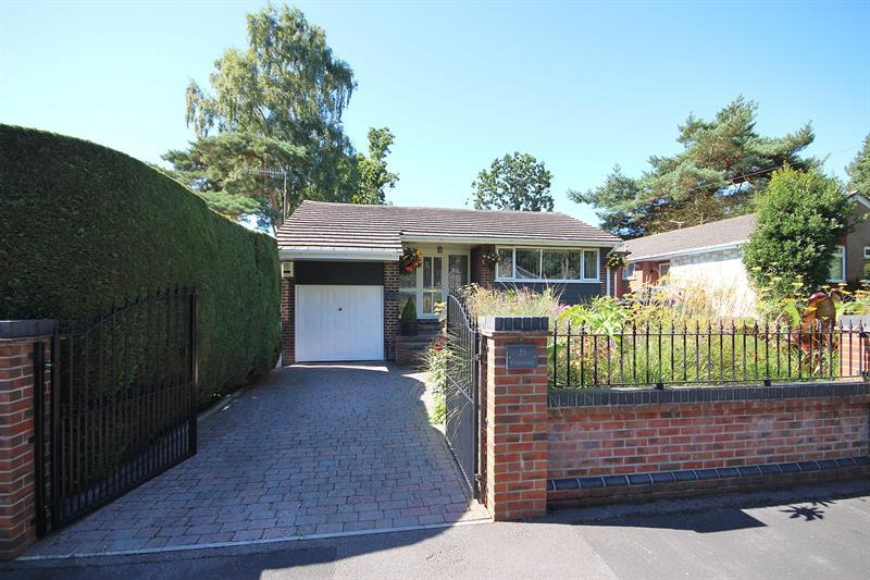 3 Bedrooms Detached Bungalow for sale in Coventry Crescent, Poole